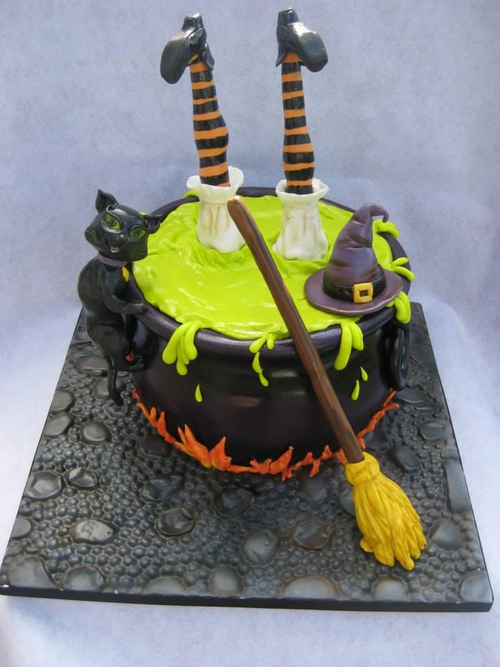 Halloween Cake - Novel T Cake