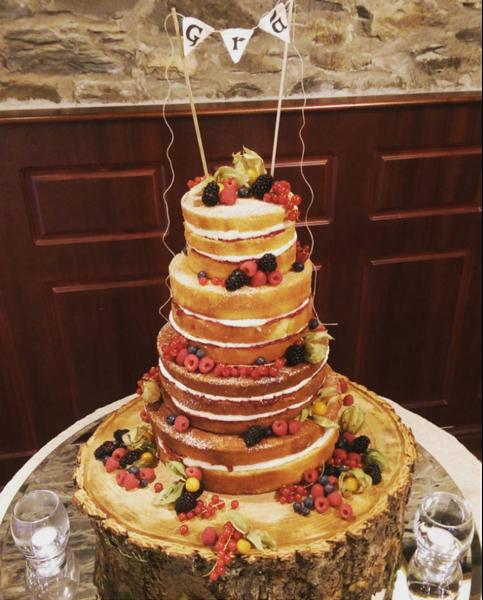 Gorgeous Naked Wedding cake design