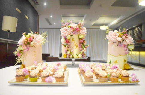 Wedding Cake & Cupcake Combination