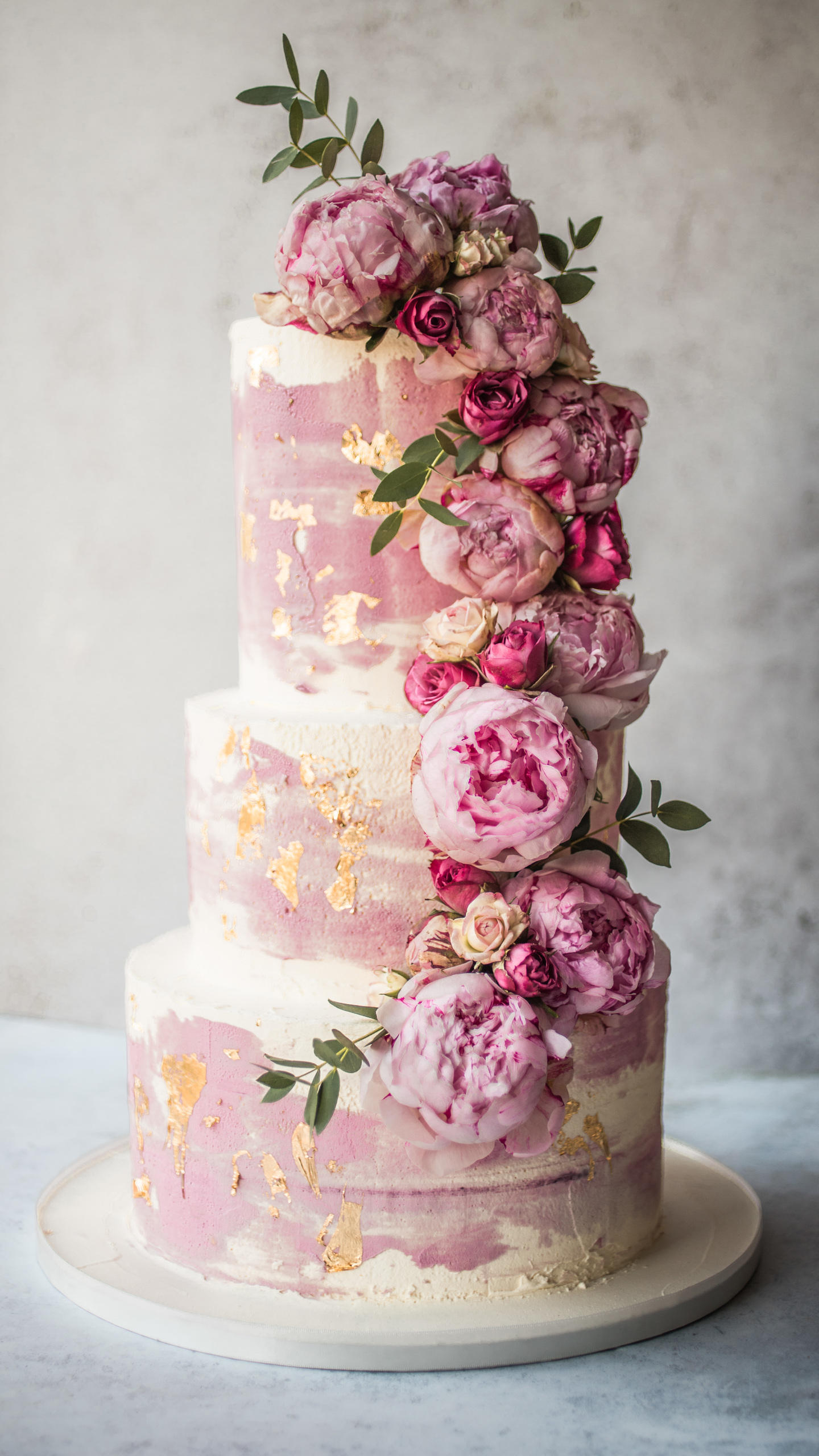 Six 2020 Wedding Cake Trends You Ll Fall In Love With